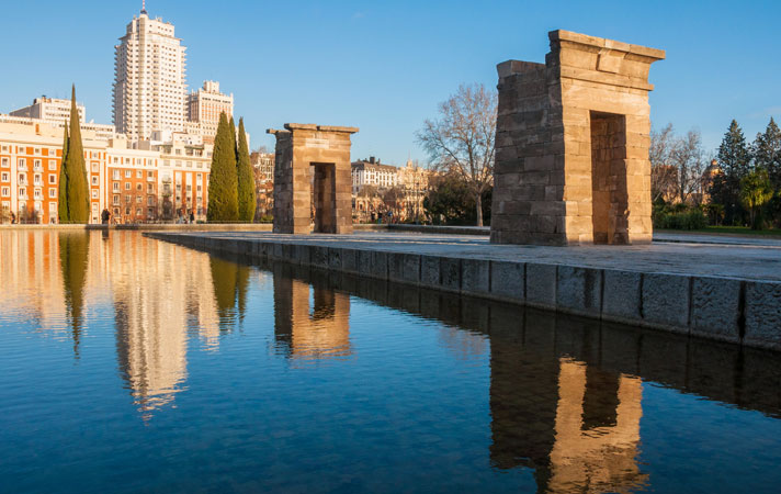 The Temple of Debod is an ancient Egyptian temple that was dismantled and rebuilt in Madrid. It is one of the few works of ancient Egyptian architecture that can be seen outside Egypt. Visitors may stroll along the walkway during opening hours.